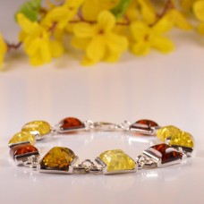 Amber Bracelet in the shape of Squares