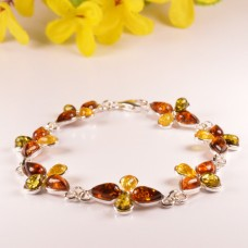 Amber Bracelet in the shape of Flower